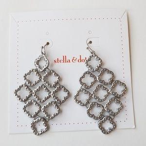 Stella and dot silver dangle earings